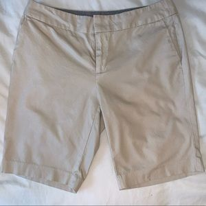 Banana republic Hampton fit khaki shorts